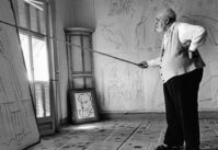 Henri Matisse http://www.widewalls.ch/ww-apps-lib/uploads/Henri-Matisse-in-His-Studio-courtesy-of-theredlist.jpg