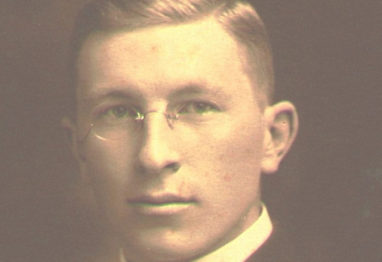 http://www.thefamouspeople.com/profiles/images/frederick-banting-4.jpg