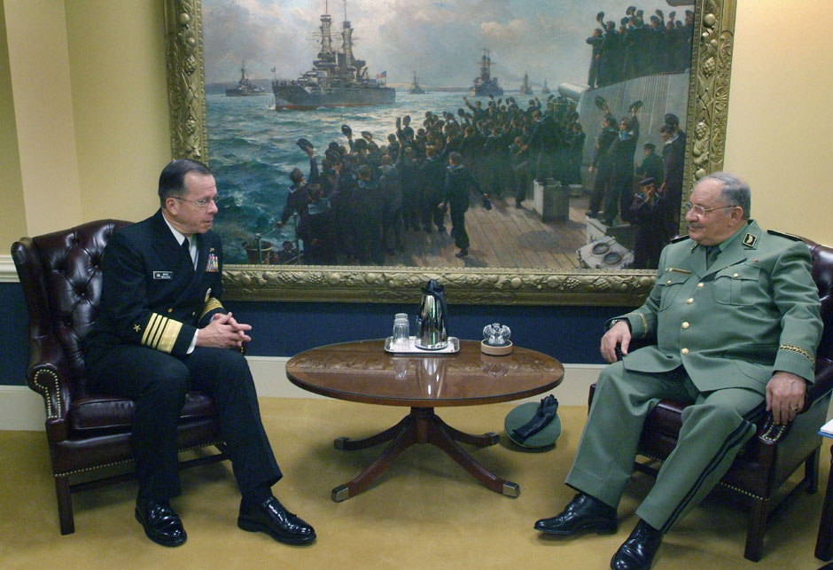 Chief of Naval Operations (CNO) Adm. Mike Mullen meets with Algerian Chief of Staff Gen. Major Ahmed Gaid-Sala
