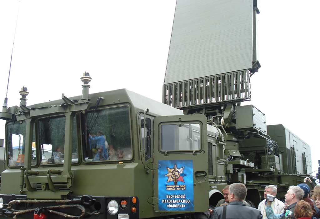 RADAR S-300 S-00 FAVORIT-96L6E